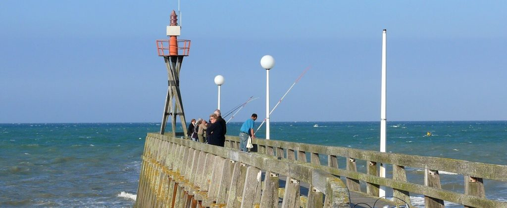 bandeau the wooden pier of courseulles in Normandy loic durand calvados attractivite